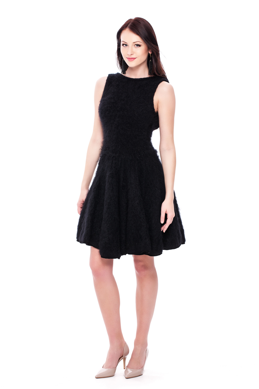 Buy Black Full Skirt Dress by Slate & Willow for $54 from Rent the Runway. Rent the Runway Rent the Runway MENU. Search Search. WAYS TO Black Full Skirt Dress. $54 to buy. $ value (7) Simple black dress with a black sheen material below the waist. The back of the dress gives it elegance and adds just enough to make it stand out!