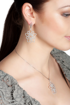 Frozen Leaf Necklace-1